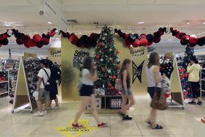 Predaj vianočného tovaru začali 145 dní pred hlavným sviatkom Vianoc.