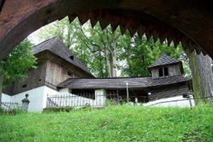 Unikátna stavba láka turistov aj svadobčanov.