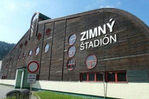 Mesto má tento rok prispieť na prevádzku zimného štadiónu 140-tisíc eurami.
