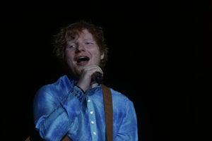 Ed Sheeran na jednom z predchádzajúcich koncertov.