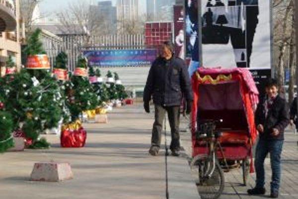 Číňania Vianoce neoslavujú. Nič im však nebráni na nich zarobiť.