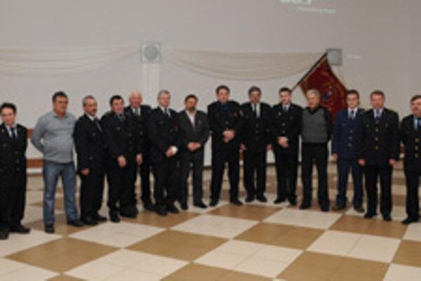 Ocenení hasiči.