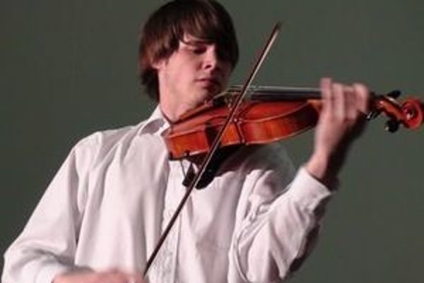 Violista Peter Žaškovský. Ako jediný Slovák bude hrať v Mládežníckom orchestri Európskej únie, ktorý združuje najväčšie talenty Európy.