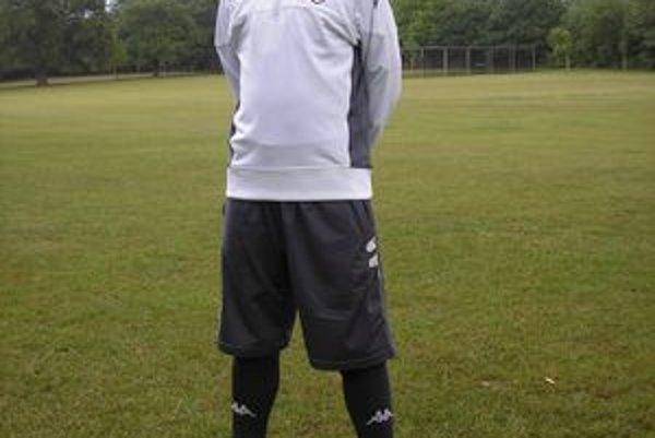 Dominik Topoľský už vo farbách Fulhamu.