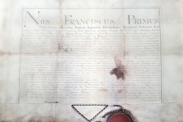 Cisárska listina s výsadami pre mesto Bobrov.
