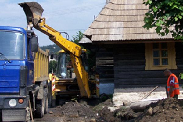 S kanalizáciou mali podroháčske obce končiť. Zatiaľ však ani nezačali.