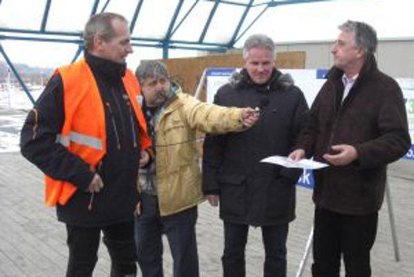 Alan Bujdák (vľavo) po príchode do Námestova.