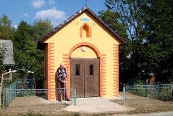 Kaplnka Panny Márie Ružencovej - pri jej zrode i oprave stál aj Anton Brišák zo Sihelného.