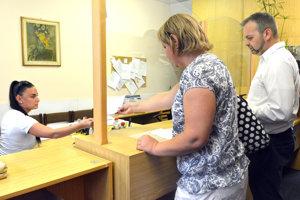 V podateľni magistrátu prijali od petičiarov petíciu s 1500 podpismi.