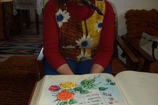 Aj svoje vlastné jubileá si pani Milka v obecnej pamätnej knihe sama ilustrovala.
