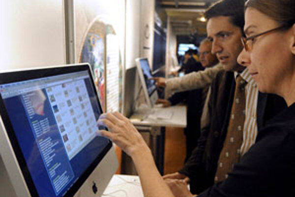 Ľudia, vrátane turistov, vyhľadávajú čoraz viac informácií prostredníctvom internetu.