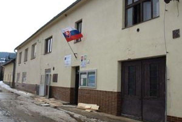 Budova zábiedovského obecného úradu.
