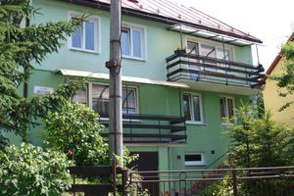 Po presťahovaní starkých do mesta sa budova stane nadbytočnou.