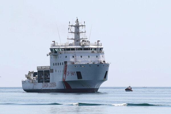 Taliansko povolí lodi so 177 migrantmi zakotviť na Sicílii