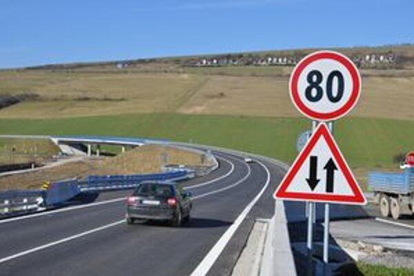 Dva hotové úseky R3 problémy s narastajúcou dopravou nevyriešia.
