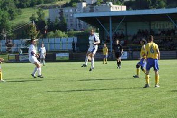 Futbalisti spod Ostražice zostúpili z V. ligy do najvyššej oravskej súťaže.