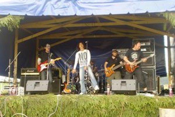 Skupina Arzén sa vMútnom postarala operfektnú zábavu.