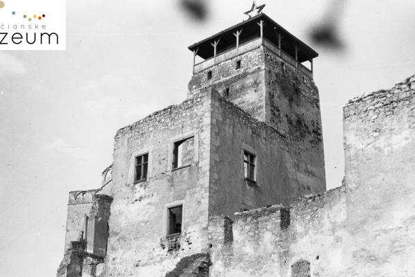 Z veže Trenčianskeho hradu v roku 1968 strhli hviezdu. Stalo sa tak 5 dní po páde vojsk Varšavskej zmluvy.