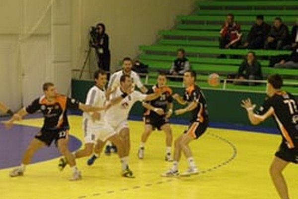 Topoľčany doma vyhrali o desať gólov.