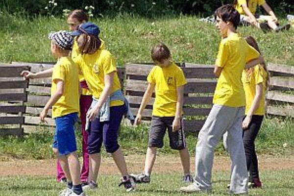 Školáci súťažili v atletike.