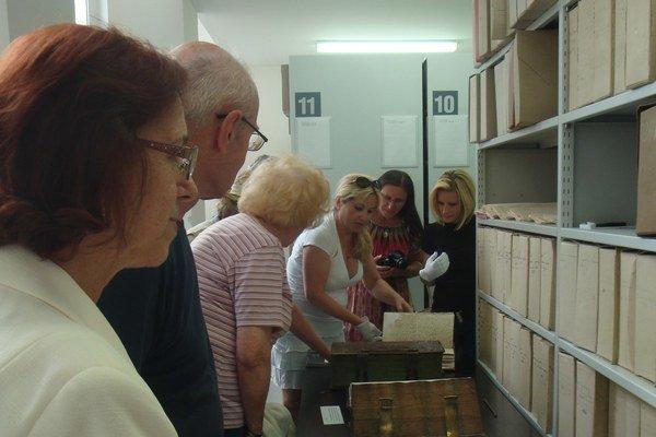 Návštevníci si prezreli aj najväčšie poklady archívu.