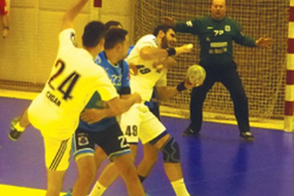 Hádzanári doma vyhrali len o tri góly.