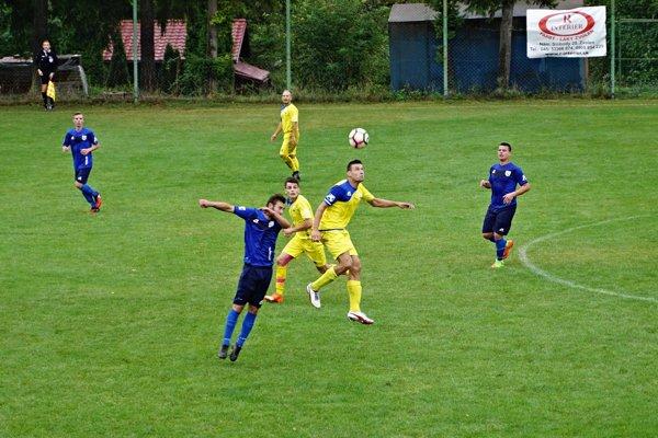 Momentka zo zápasu IV. ligy JUH: Kováčová - Čierny Balog.