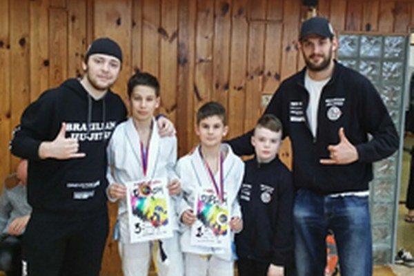 Topoľčianski zápasníci.