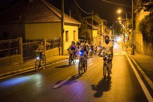 Nočnej jazdy sa 22. augusta zúčastnilo vyše sto cyklistov.