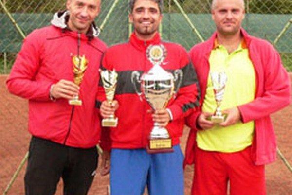 Najlepšie trio: (zľava) Martin Hollan, Marek Bednarik aIvan Šlosár.