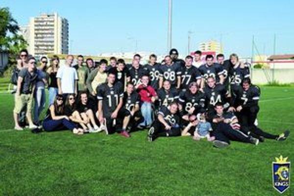 Futbalový klub Topoľčany Kings má asi 25 členov