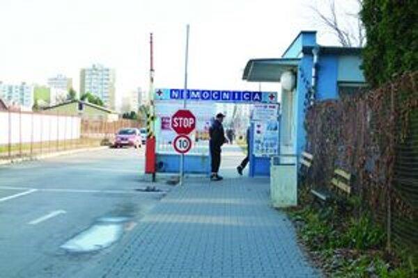 Podľa riaditeľky nemocnice exekúcia nehrozí.