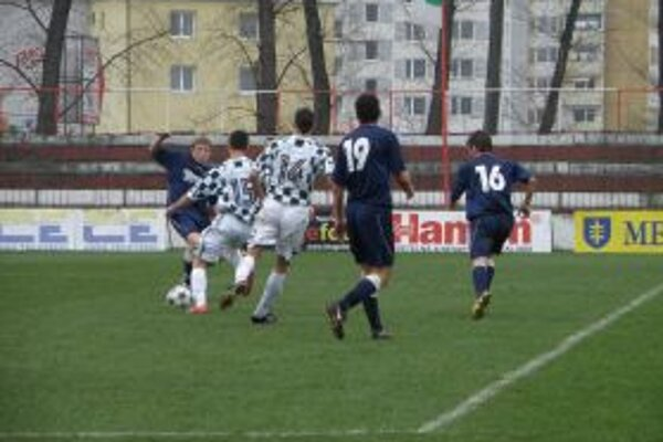Futbalisti na domácom ihrisku remizovali 1:1.