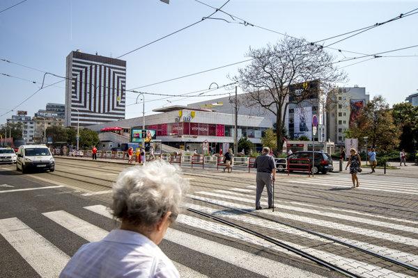 Pohľad na Kamenné námestie, v pozadí Hotel Kyjev.