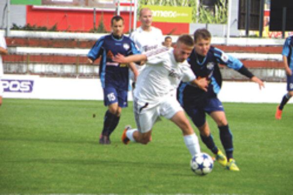 Topoľčany v minulom kole porazili Nitru jun. 2:0, v nedeľu vonku prehrali 1:3.