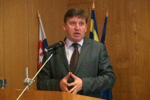 Honorárny konzul Belgického kráľovstva dostal na košickom súde podmienečný trest za nebezpečné vyhrážanie.