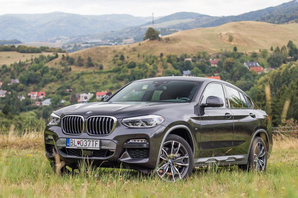 1dfaed8cca BMW X4 30i má podvozok hodný značky