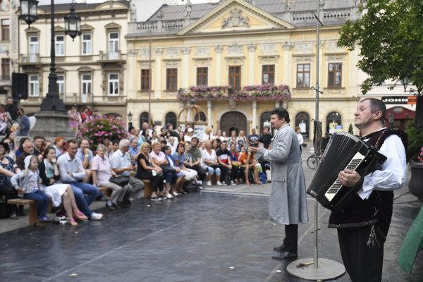 Festival divadiel strednej Európy v Košiciach 5. septembra 2018. Na snímke Túlavé divadlo Trnava, Jakub Nvota: Romeo, Júlia a vírus