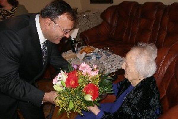 Gizele Štubendekovej zablahoželal aj primátor Topoľčian.