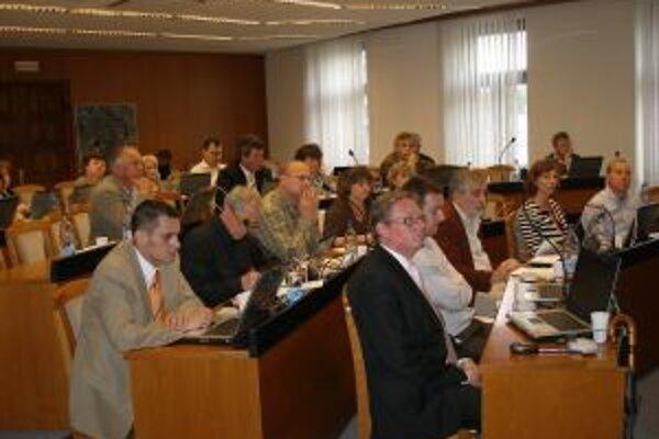 Topoľčianski poslanci zasadli minulý týždeň.