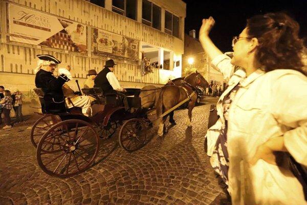 Sprievod je aj oslavou histórie mesta.