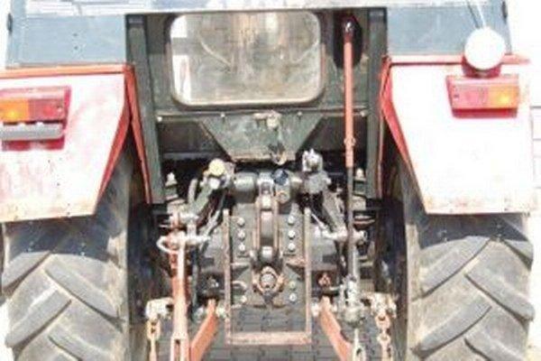 Po mesiaci sa krádež traktora z Krpelian objasnila.