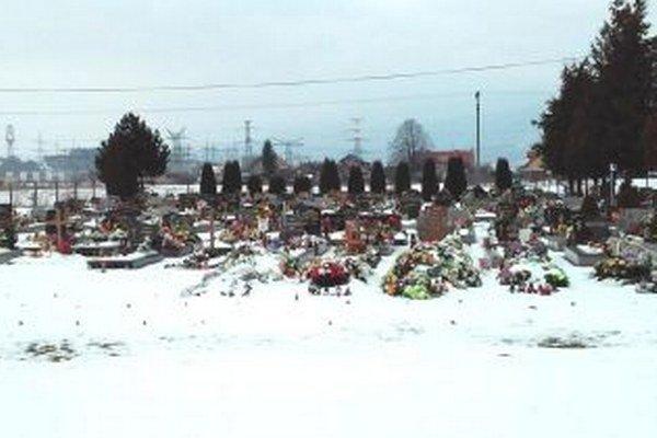 Cintorín v Sučanoch sa rozšíri o viac ako 11 tisíc metrov štvorcových.