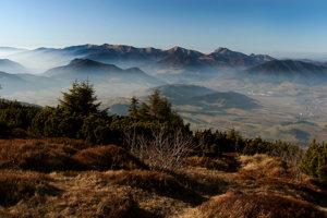 Z Choča vidieť až do druhého štátu. Pohľad patrí medzi najkrajšie nielen na Liptove, ale aj na Slovensku.