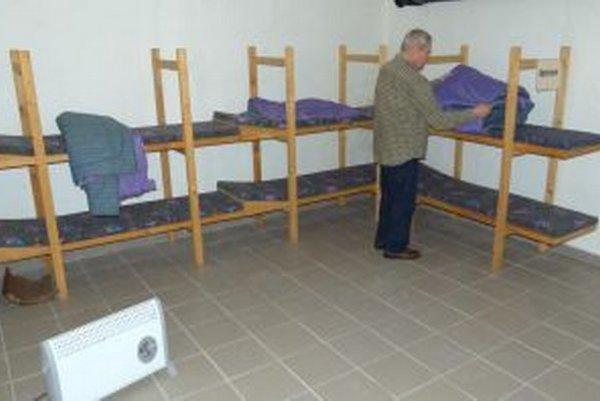 V úkryte sa bude v odpočivárni spať skromne.