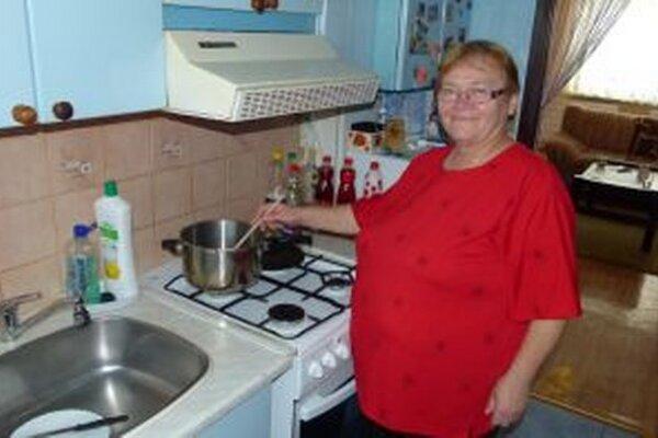 Pani Apolka najradšej varí pre svoje vnúčatá.