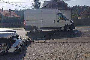 Jedna z nehôd sa v pondelok stala v Považskom Chlmci.