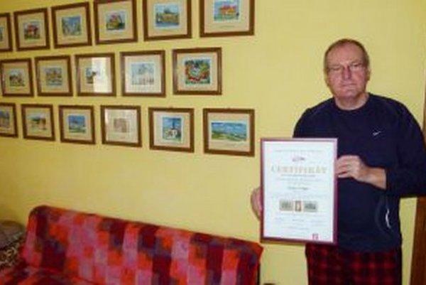 Peter Volna. Pri vyšívaní kolekcie budov strávil tisícky hodín.