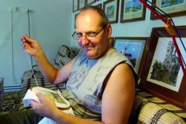 Petra Volnu doma najčastejšie vídať s ihlou v ruke.