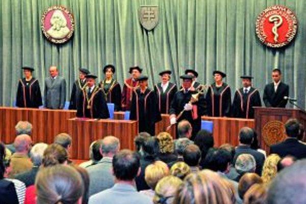 Aula Magna počas otvorenia akademického roka.